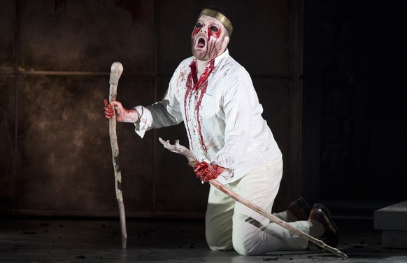 Cast member Ronald Wood performs as Oedipus at the English National Opera production of Julian Anderson's opera Thebans in London April 30, 2014. REUTERS/Neil Hall (BRITAIN - Tags: ENTERTAINMENT)