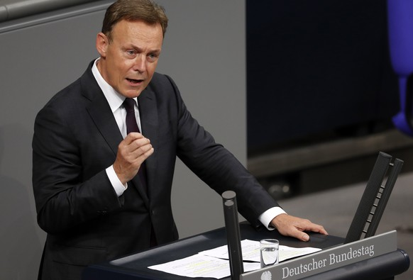 epa08774252 (FILE) -  The then Group Chairman of the Social Democratic Party (SPD) Thomas Oppermann speaks during the vote for the legalization of the same sex marriage at the German Parliament (Bundestag) in Berlin, Germany, 30 June 2017 (reissued 26 October 2020). According to media reports, Bundestag Vice President Thomas Oppermann died on the evening of 25 October 2020.  EPA/FELIPE TRUEBA