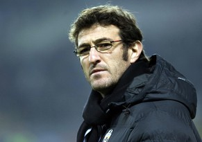 Juventus coach Ciro Ferrara, seen, prior to the Serie A, soccer match between Juventus and AC Milan at the Olympic stadium in Turin, Italy, Sunday, Jan. 10, 2010. (AP Photo/Alberto Ramella)