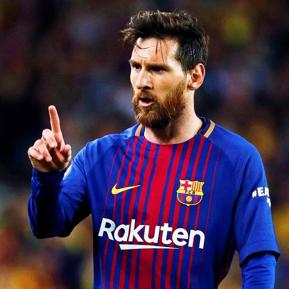 epa06715823 FC Barcelona's striker Lionel Messi reacts during the Spanish Primera Division soccer match between FC Barcelona and Real Madrid at Camp Nou in Barcelona, Spain, 06 May 2018.  EPA/ALEJANDRO GARCIA