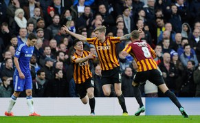 epa04581322 Bradford City Jon Stead (C) celebrates scoring a goal against Chelsea during their FA CUP fourth round soccer match between Chelsea and Bradford City at Stamford Bridge in London, Britain, 24 January 2015.  EPA/FACUNDO ARRIZABALAGA http://www.epa.eu/files/Terms%20and%20Conditions/DataCo_Terms_and_Conditions.pdf