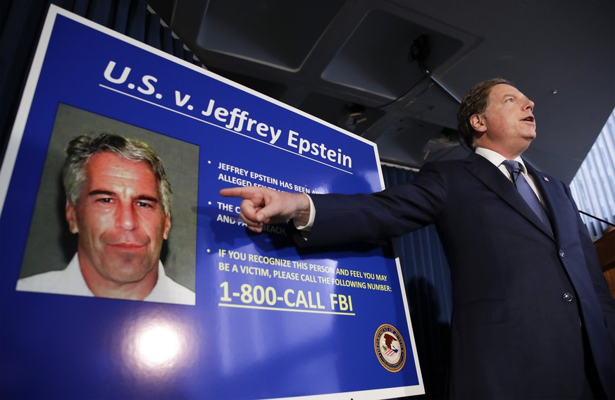 epaselect epa07703887 United States Attorney for the Southern District of New York Geoffrey Berman speaks during a news conference about the arrest of American financier Jeffrey Epstein in New York, USA, 08 July 2019. According to reports, US financier Jeffrey Epstein who was arrested on 08 July 2019 on sex trafficking and conspiracy charges, has been formally charged with two sex trafficking counts.  EPA/JASON SZENES