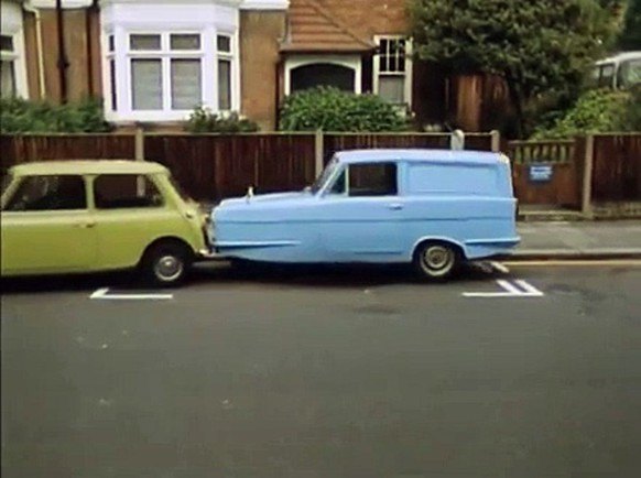mr. bean reliant regal mini minor tv comedy autos https://www.motorious.com/articles/features/301850/deleted-scene-mr-beans-mini-movie