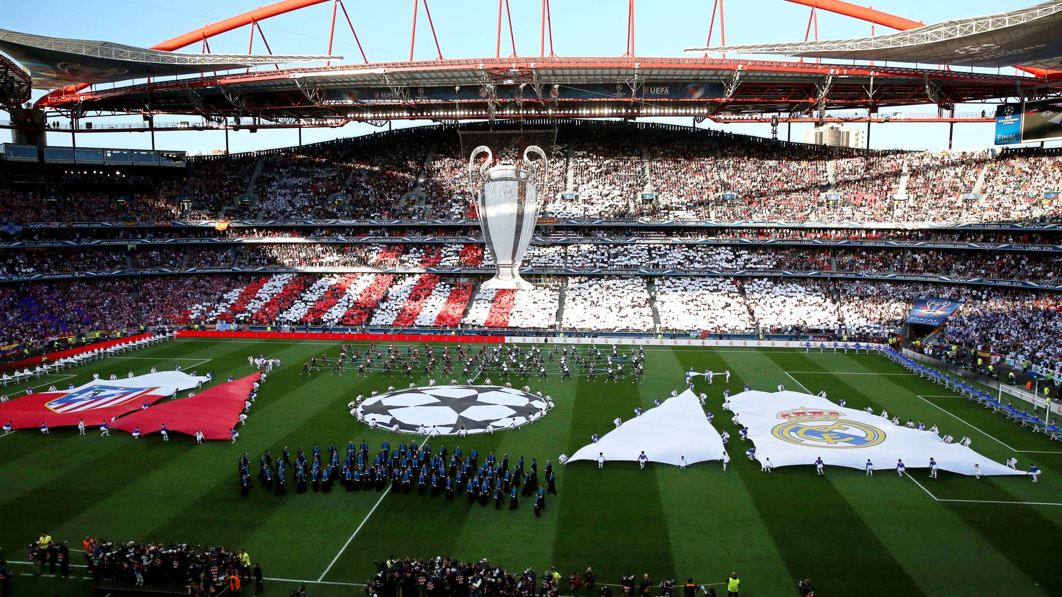 epa08487673 (FILE) - General view of the opening ceremony prior to the UEFA Champions League final between Atletico Madrid and Real Madrid at Luz Stadium in Lisbon, Portugal, 24 May 2014 (re-issued on 16 June 2020). Lisbon's Estadio da Luz is expected to host the 2020 UEFA Champions League final in a decision by the UEFA executive committee set to be announced on 17 June 2020.  EPA/ANDRE KOSTERS *** Local Caption *** 51384305