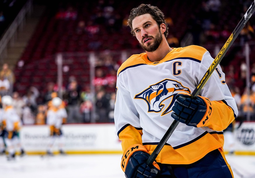NEWARK, NJ - JANUARY 30: Nashville Predators Defenceman Roman Josi 59 skates some laps during warmups before the game between the Nashville Predators and the New Jersey Devils on January 30, 2020 at the Prudential Center in Newark, New Jersey. Photo by Nicole Fridling/Icon Sportswire NHL, Eishockey Herren, USA JAN 30 Predators at Devils Icon200130000433
