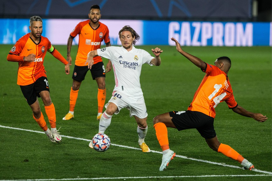 Luka Modric of Real Madrid during UEFA Champions League, football match played between Real Madrid Club Futbol and Shakhtar Donetsk at Alfredo di Stefano Stadium on October 21, 2020 in Madrid, Spain. Cordon Press *** Luka Modric of Real Madrid during UEFA Champions League, football match played between Real Madrid Club Futbol and Shakhtar Donetsk at Alfredo di Stefano Stadium on October 21, 2020 in Madrid, Spain Cordon Press PUBLICATIONxINxGERxSUIxAUTxHUNxONLY xJoaquinxCorcherox xFOOTBALLx-xUEFAxCHAMPIONSxLEAGUEx-xREALxMADRIDxCLUBxFUTBOLxVxSHAKHTARxDONETSKx