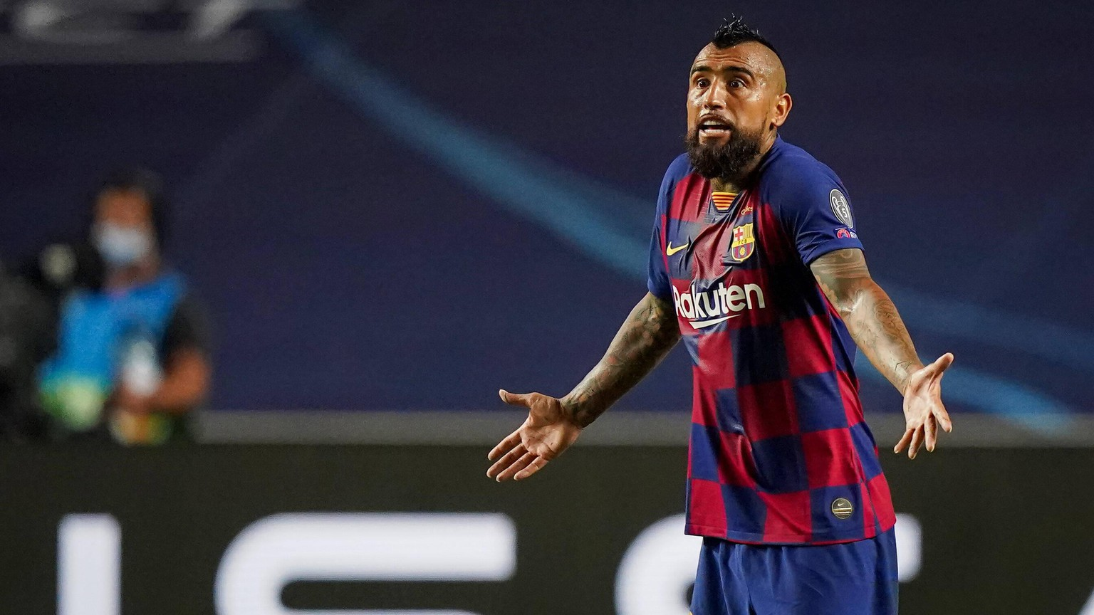 FC BAYERN MUENCHEN - FC Barcelona, Barca , Football UEFA Champions League Lisbon, Lissabon, Portugal, 14th August 2020. Arturo Vidal Barca in the quarterfinal UEFA Champions League match final tournament FC BAYERN MUENCHEN - FC BARCELONA in Season 2019/2020, FCB, Munich, Barca Photographer: Peter Schatz / Pool - UEFA REGULATIONS PROHIBIT ANY USE OF PHOTOGRAPHS as IMAGE SEQUENCES and/or QUASI-VIDEO - National and international News-Agencies OUT Editorial Use ONLY Lisbon Estadio da Luz de Benfica Portugal *** FC BAYERN MUNICH FC BARCELONA , Football UEFA Champions League Lisbon, Lisbon, Portugal, 14th August 2020 Arturo Vidal Barca in the quarterfinal UEFA Champions League match final tournament FC BAYERN MUNICH FC BARCELONA in Season 2019 2020, FCB, Munich, Barca Photographer Peter Schatz Pool UEFA REGULATIONS PROHIBIT ANY USE OF PHOTOGRAPHS as IMAGE SEQUENCES and or QUASI VIDEO National and international News Agencies OUT Editorial Use ONLY Lisbon Estadio da Luz de Benfica Portugal Poolfoto Peter Schatz / Pool ,EDITORIAL USE ONLY