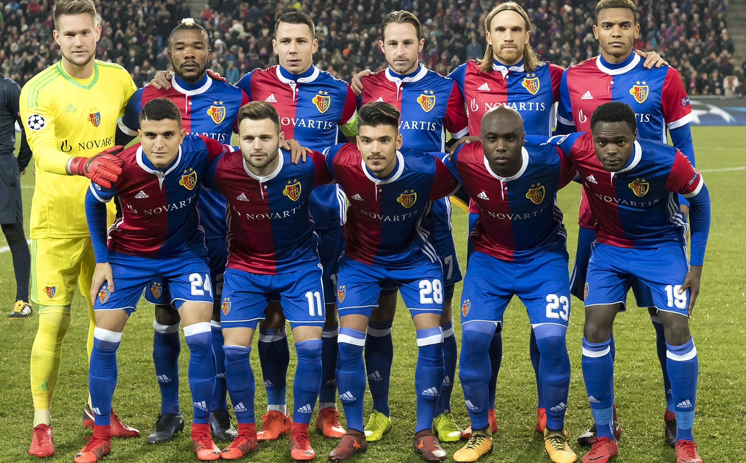 BAsel's players pose prior to the UEFA Champions League Group stage Group A matchday 5 soccer match between Switzerland's FC Basel 1893 and England's Manchester United FC at the St. Jakob-Park stadium in Basel, Switzerland, on Wednesday, November 22, 2017. (KEYSTONE/Georgios Kefalas)