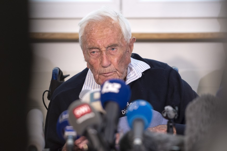 104-year-old Australian scientist David Goodall speaks during his press conference a day before his assisted suicide in Basel, Switzerland, on Wednesday, May 9, 2018. (KEYSTONE/Georgios Kefalas)